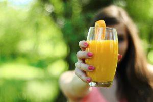 czy soki są zdrowe, czy soki owocowe są zdrowe, czy wyciskane soki są zdrowe