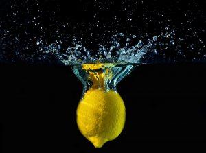 woda z cytryną, woda z cytryną odchudzanie, woda z cytryną dieta