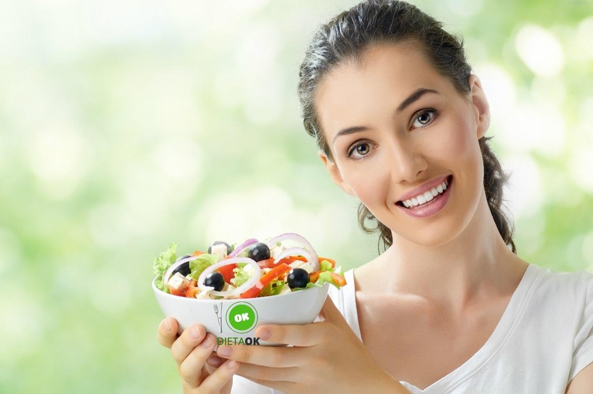 141256_piekna-kobieta-salatka-zdrowie