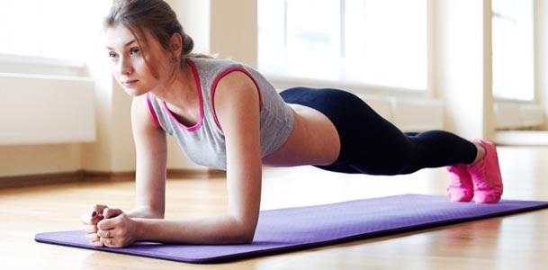 Czy można schudnąć, jeśli nie jeść po 18.00? Czy warto rezygnować z kolacji?