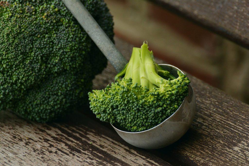 Jak przygotować aromatyczne kotlety z brokułów?