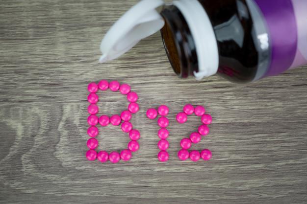 Jakie są funkcje witaminy B12 w organizmie człowieka?