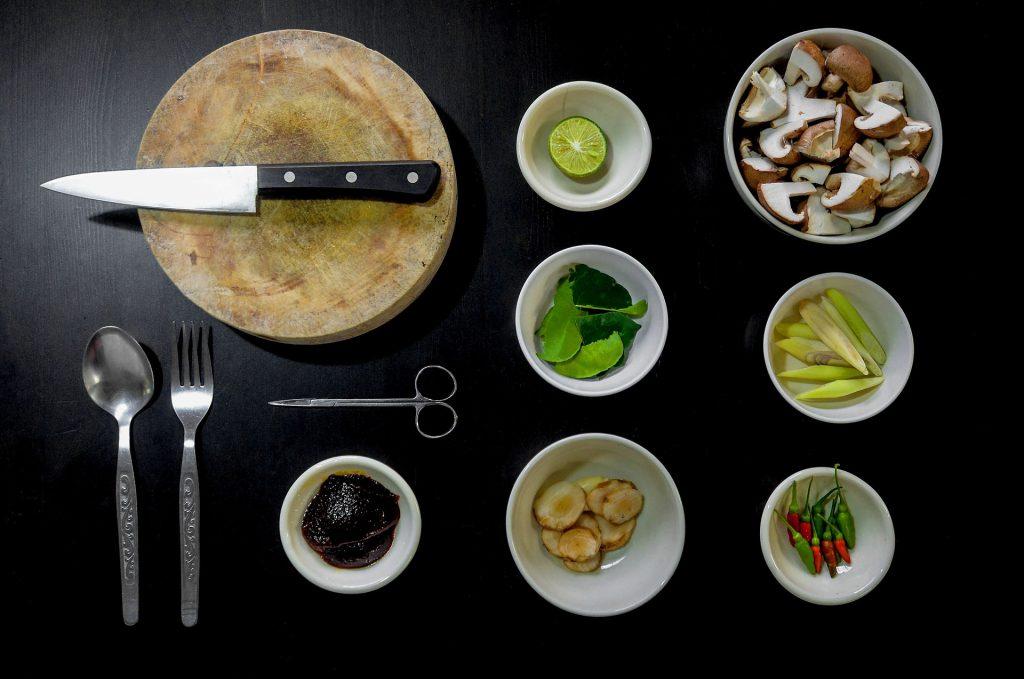 Jak ugotować smaczną zupę ogórkową.