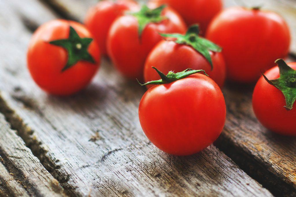 Skąd się wzięły pomidory i jakie są ich najpopularniejsze odmiany;