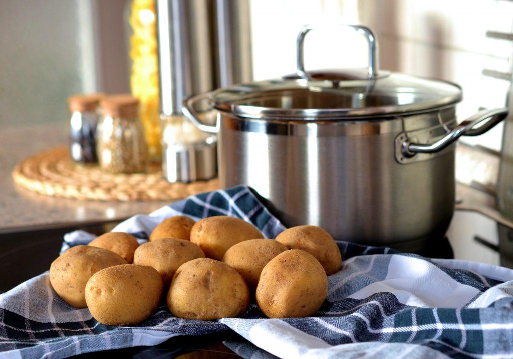 Obiad jak u babci, czyli ziemniaki okraszone masłem